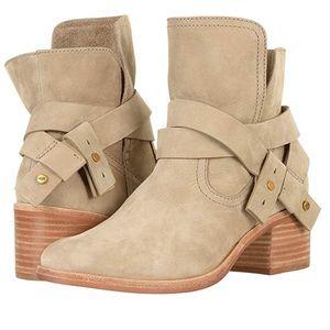 Ugg Elora women's boots size 9
